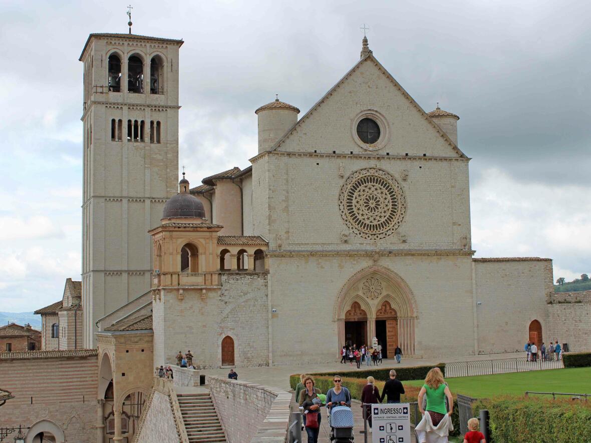 Die Basilika San Francesco beherbergt das Grab des heiligen Franziskus.
