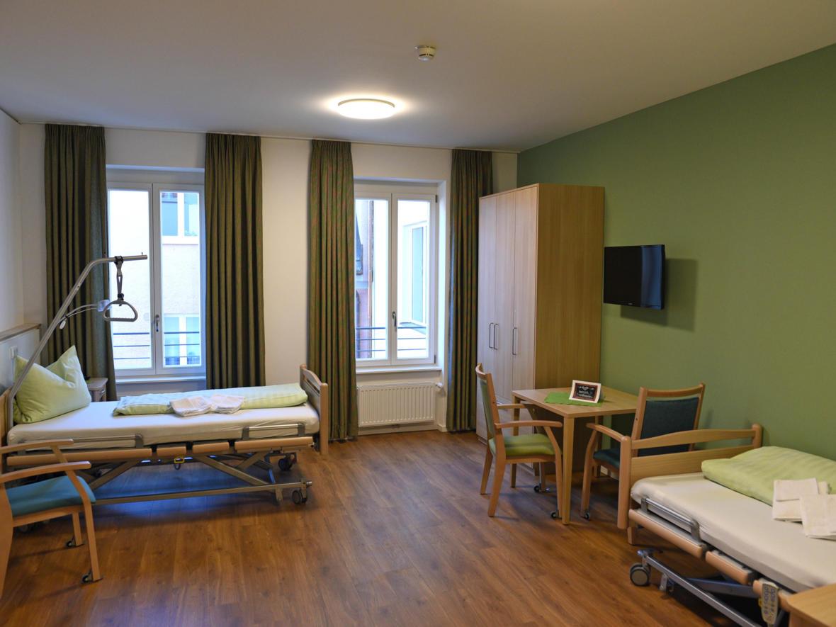 Doppelzimmer im Seniorenheim St. Afra. (Foto: Nicolas Schnall / pba)