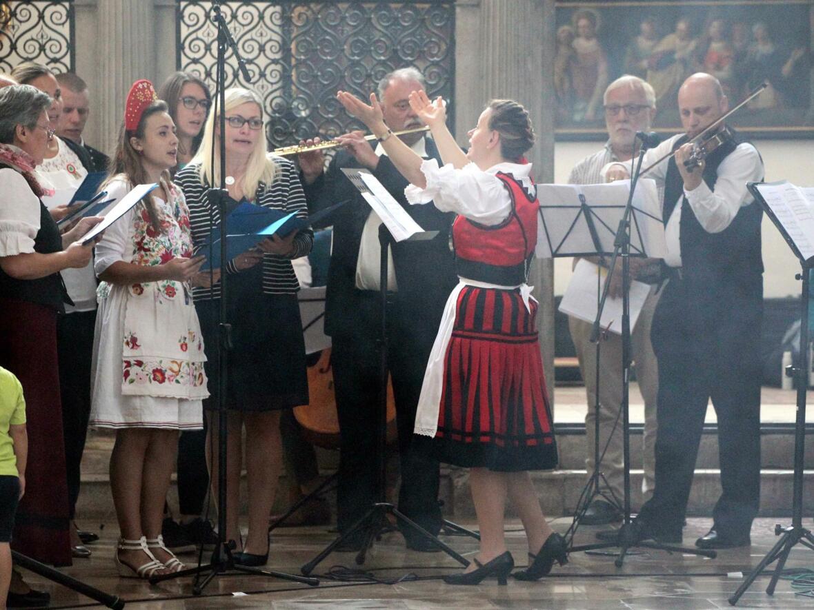 UWONationen_Ungarischer Chor_web