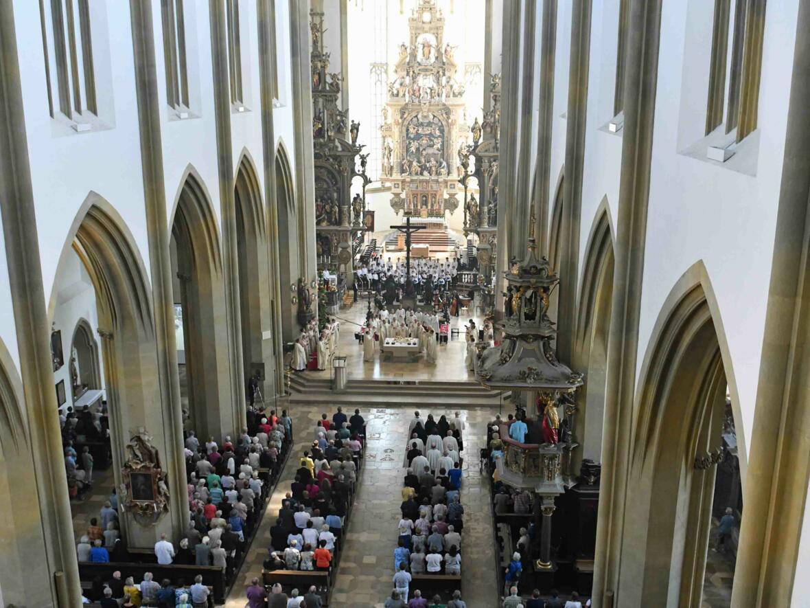 Pontifikalamt zum Ulrichsfest 2019 (Foto Nicolas Schnall_pba) 15
