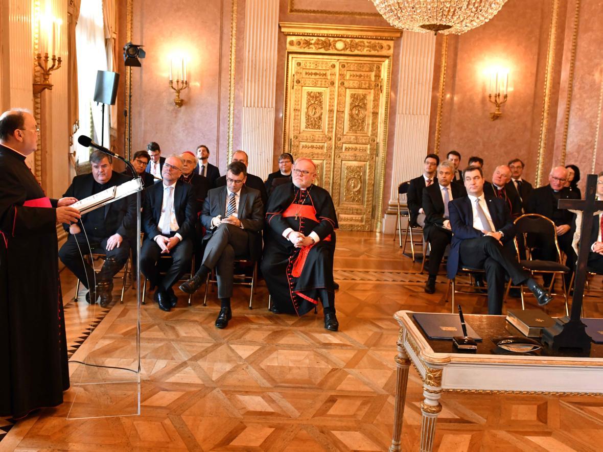 Vereidigung des ernannten Bischof von Augsburg, Prälat Dr. Bertram Meier (Foto Nicolas Schnall_pba) 4