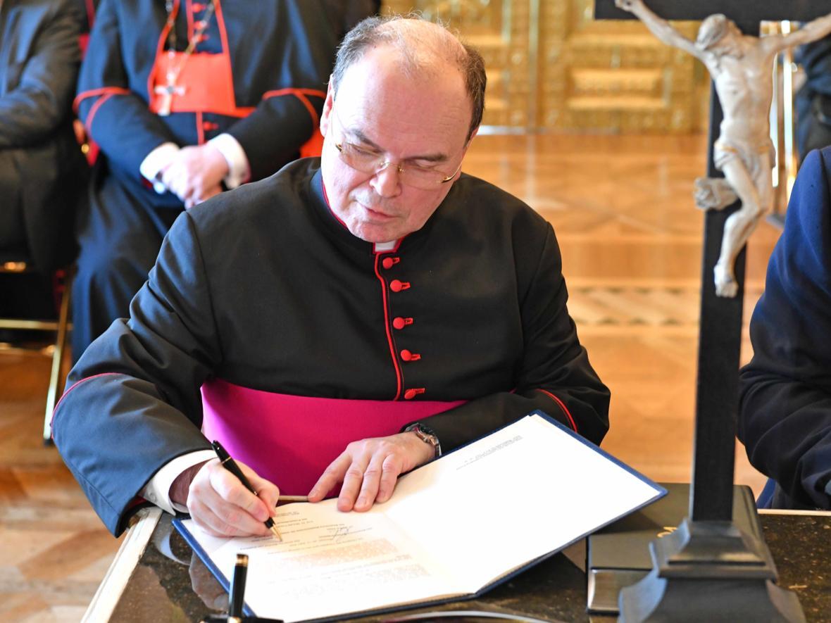 Vereidigung des ernannten Bischof von Augsburg, Prälat Dr. Bertram Meier (Foto Nicolas Schnall_pba) 6