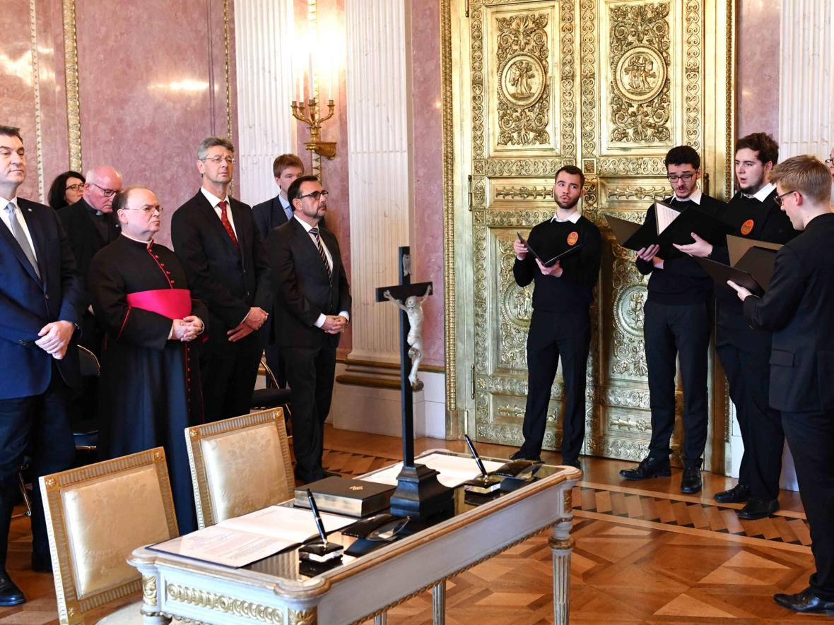 Vereidigung des ernannten Bischof von Augsburg, Prälat Dr. Bertram Meier (Foto Nicolas Schnall_pba) 8