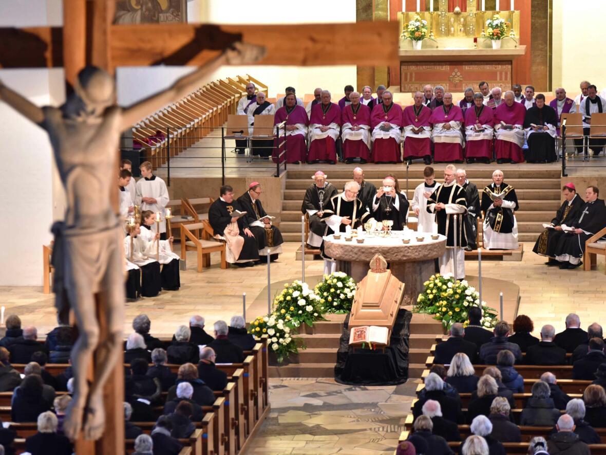 Pontifikalrequiem für Weihbischof Max Ziegelbauer in Memmingen. (Foto: Nicolas Schnall / pba)