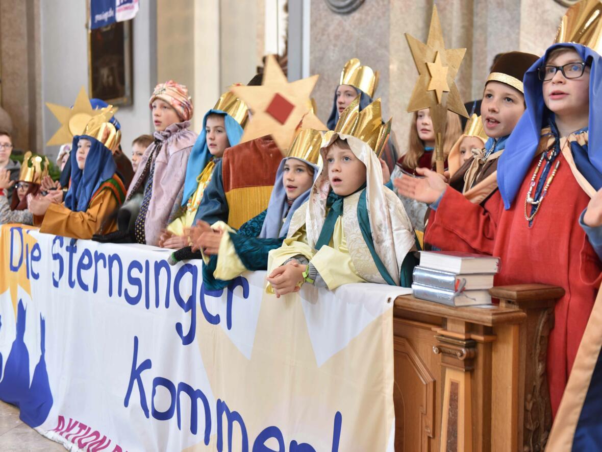Diözesaner Auftakt zur Sternsingeraktion in Füssen. (Foto: Maria Steber / pba)