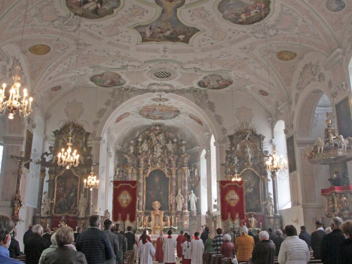 Bischof Bertram feiert Pfingsten in Heilig Geist Neuburg_Donau (Foto_Viktoria_Zaech_pba) 10