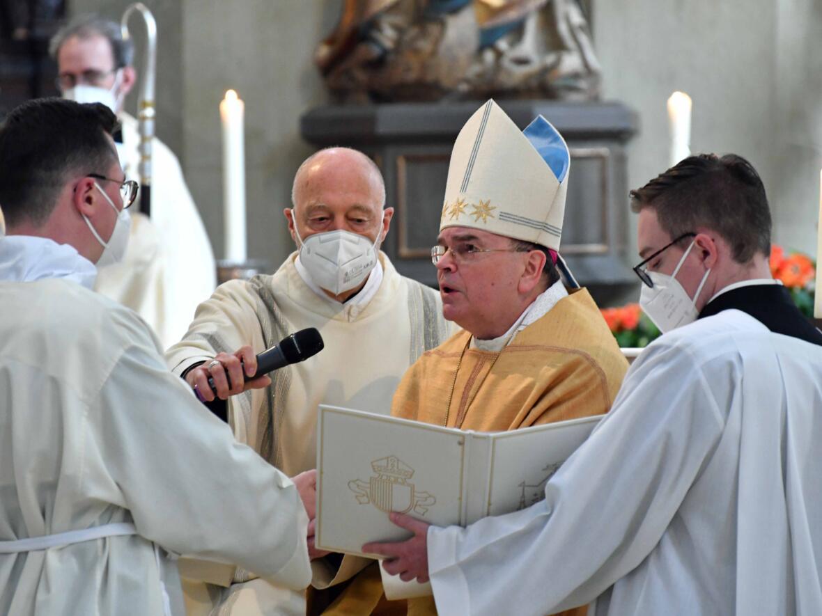 06 Diakonenweihe in der Ulrichsbasilika (Foto Nicolas Schnall pba)
