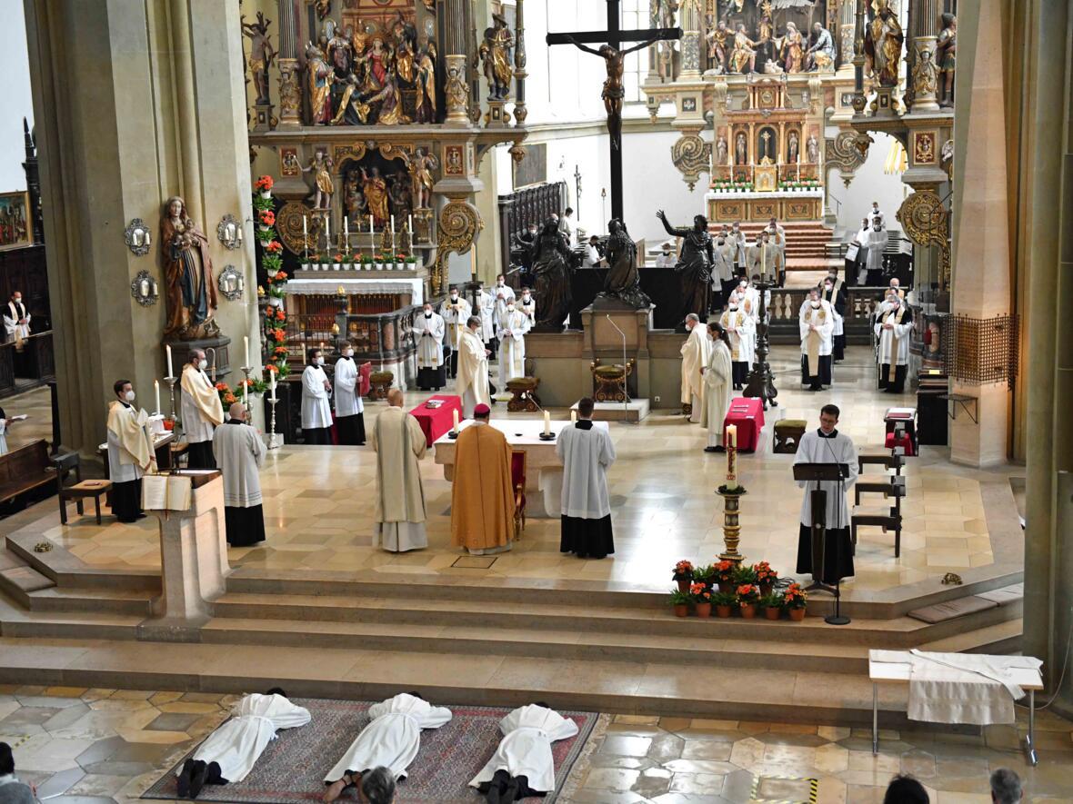 07 Diakonenweihe in der Ulrichsbasilika (Foto Nicolas Schnall pba)