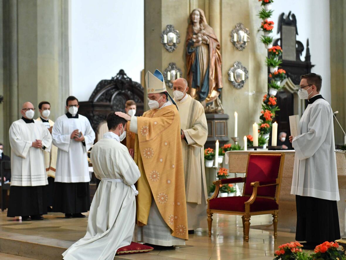 09 Diakonenweihe in der Ulrichsbasilika (Foto Nicolas Schnall pba)