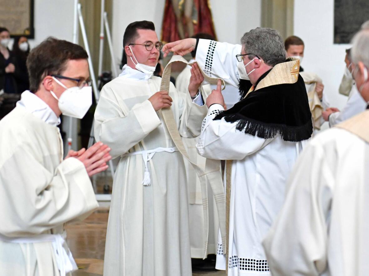 11 Diakonenweihe in der Ulrichsbasilika (Foto Nicolas Schnall pba)