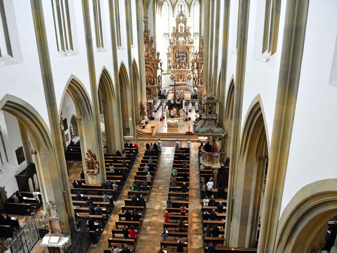 12 Diakonenweihe in der Ulrichsbasilika (Foto Nicolas Schnall pba)