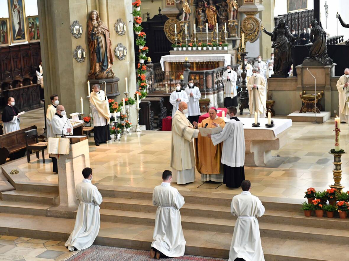 20 Diakonenweihe in der Ulrichsbasilika (Foto Nicolas Schnall pba)