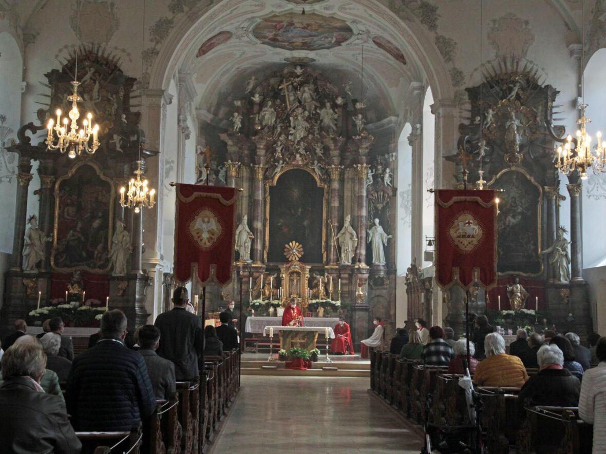 Bischof Bertram feiert Pfingsten in Heilig Geist Neuburg_Donau (Foto_Viktoria_Zaech_pba) 4