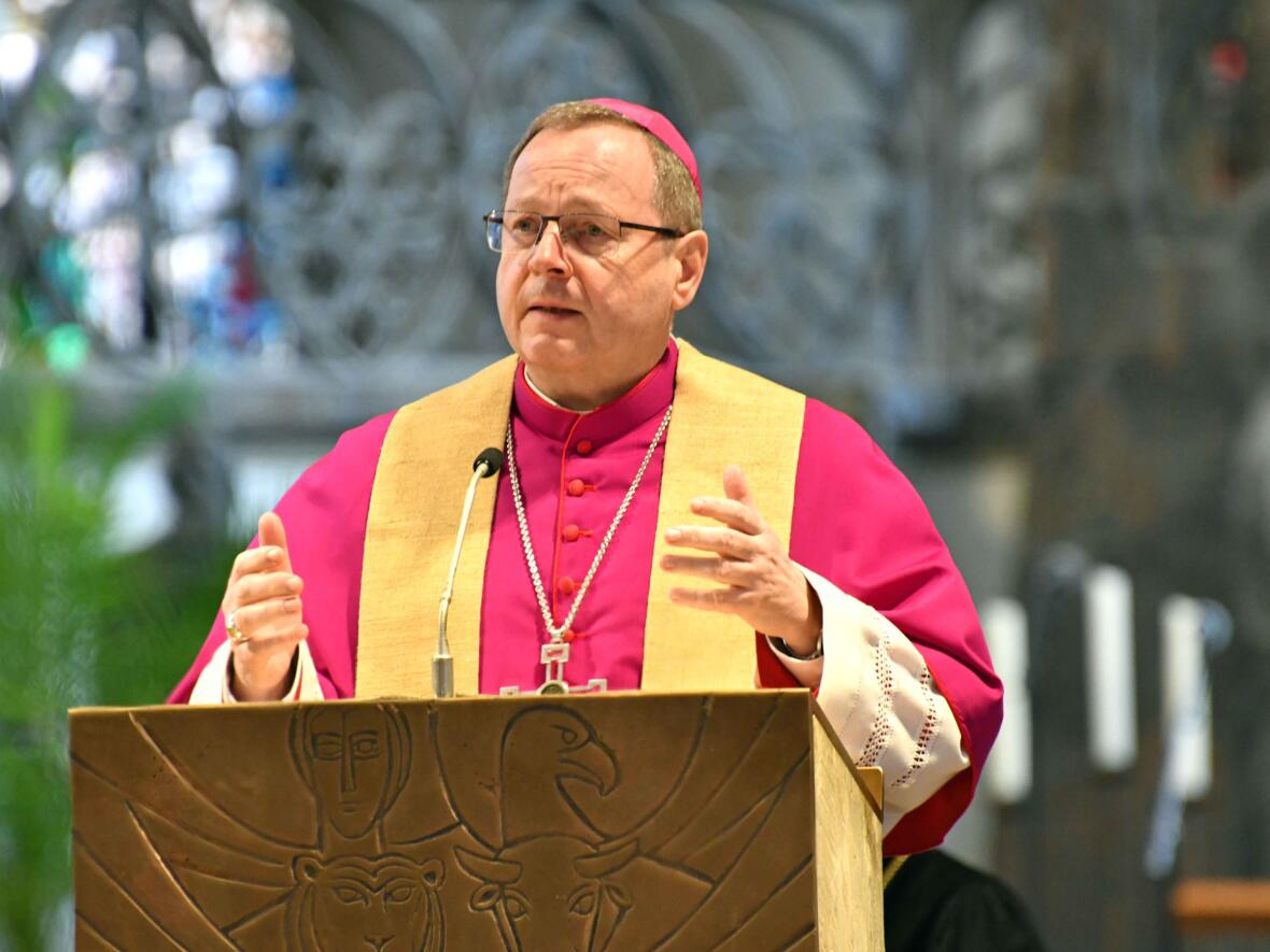 9 Eröffnungsgottesdienst der Woche für das Leben 2021_Predigt Bischof Georg Bätzing (Foto Nicolas Schnall pba) 2