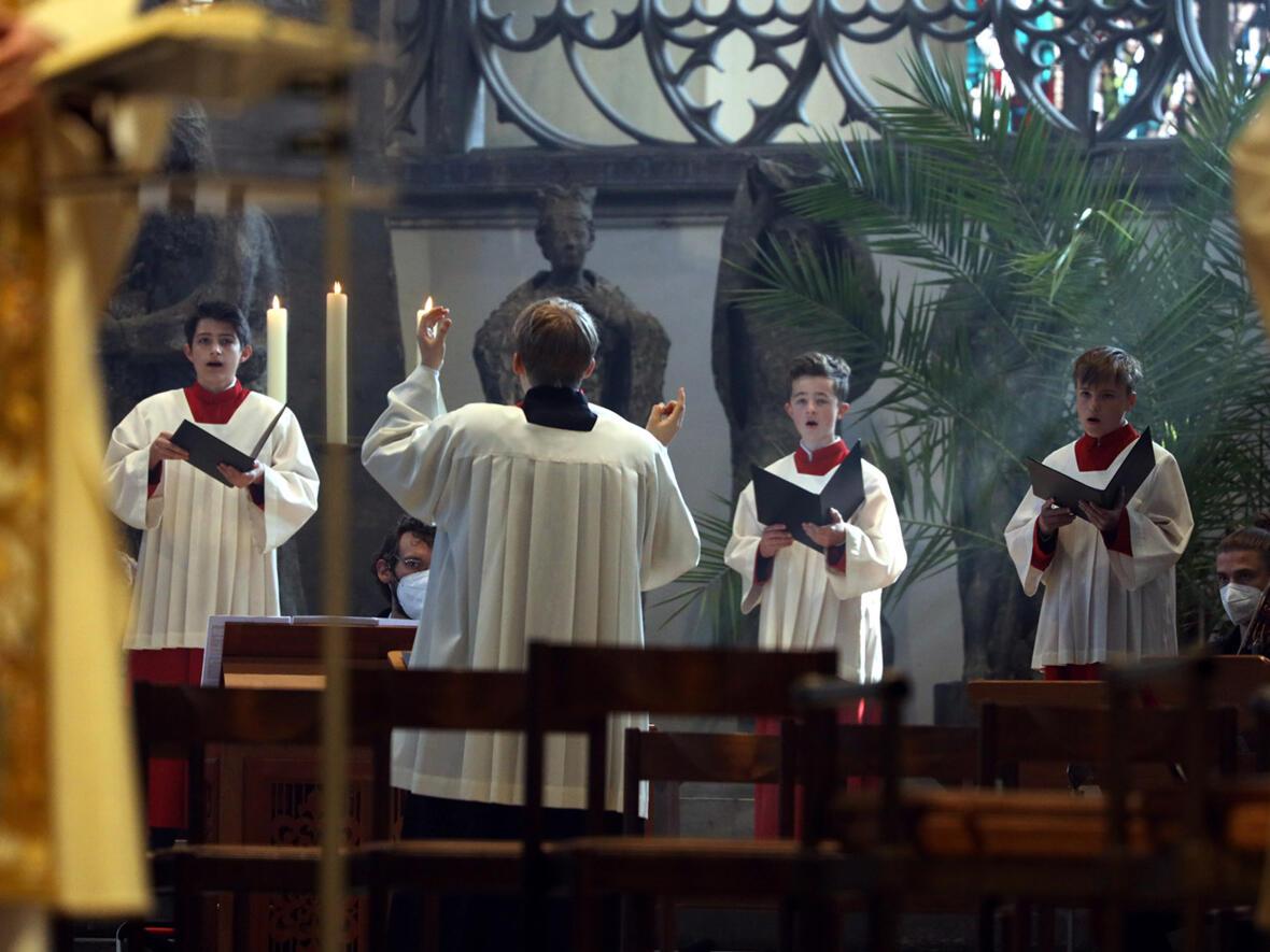 Die Dommusik begleitete das Osterhochamt (Foto: Annette Zoepf / pba)