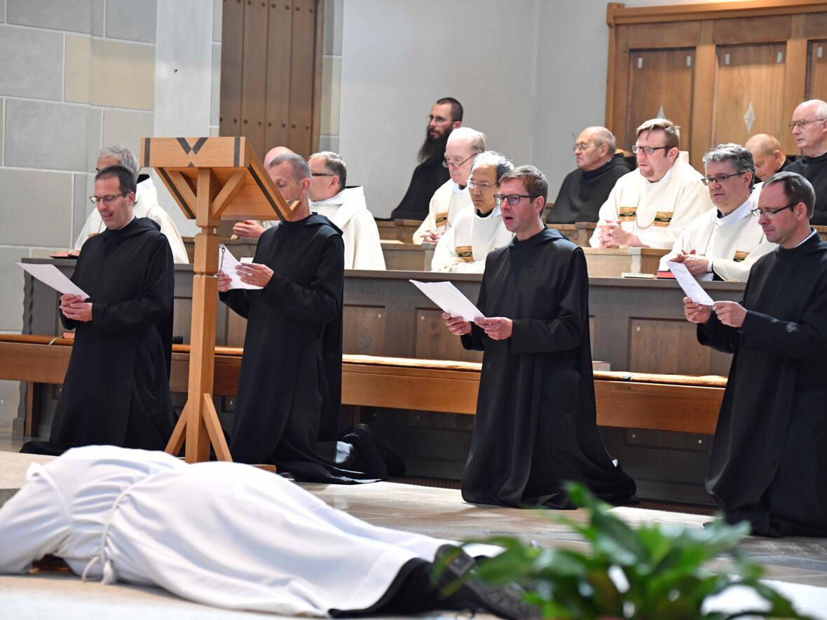 07 Priesterweihe von Michael Bäumler OSB in St. Ottilien (Foto Nicolas Schnall_pba)