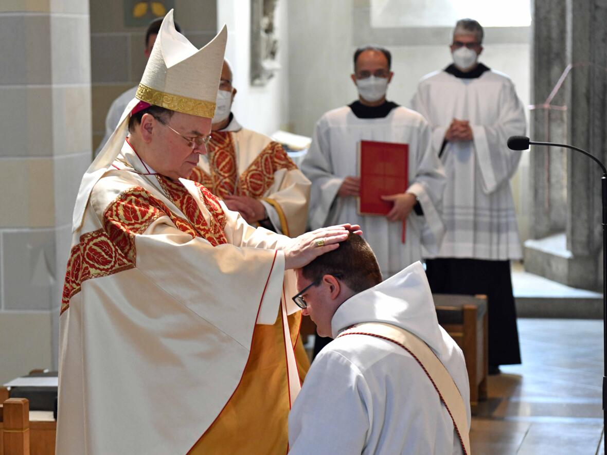 09 Priesterweihe von Michael Bäumler OSB in St. Ottilien (Foto Nicolas Schnall_pba)