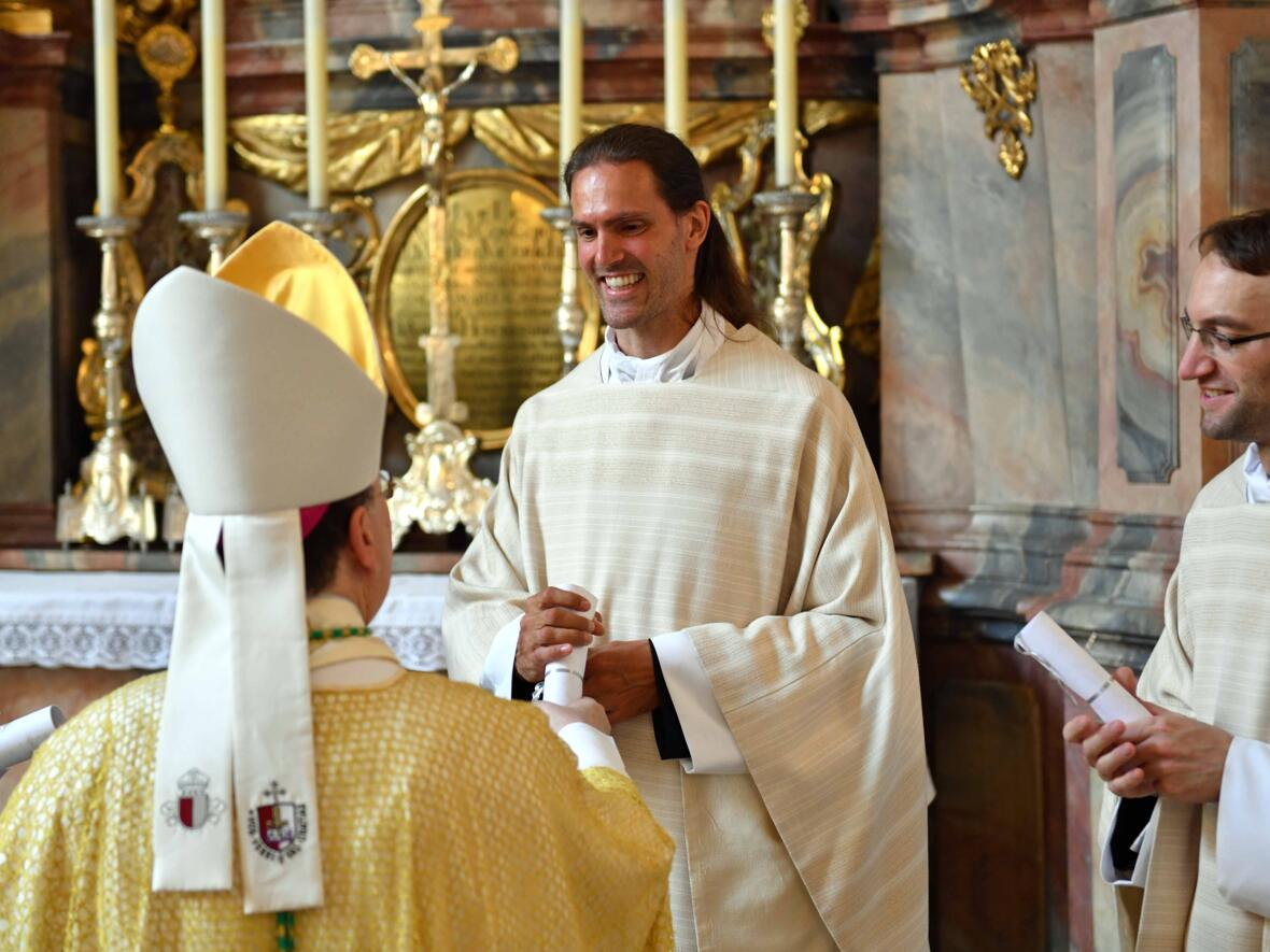 23_Priesterweihe im Augsburger Dom 2021 (Foto Nicolas Schnall pba)