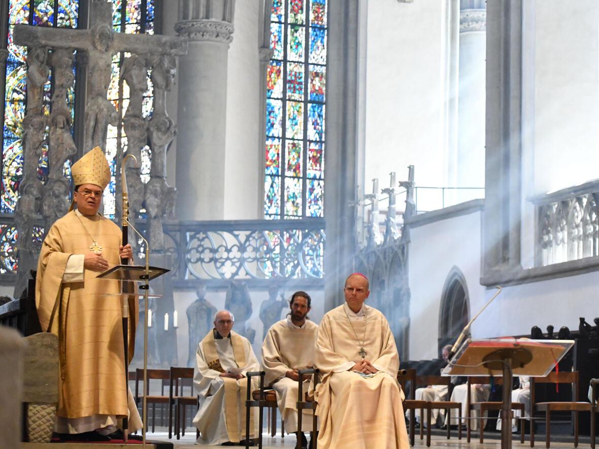 Bischof Bertram predigt in der Chrisammesse DSC_8399 (Foto Julian Schmidt_pba)