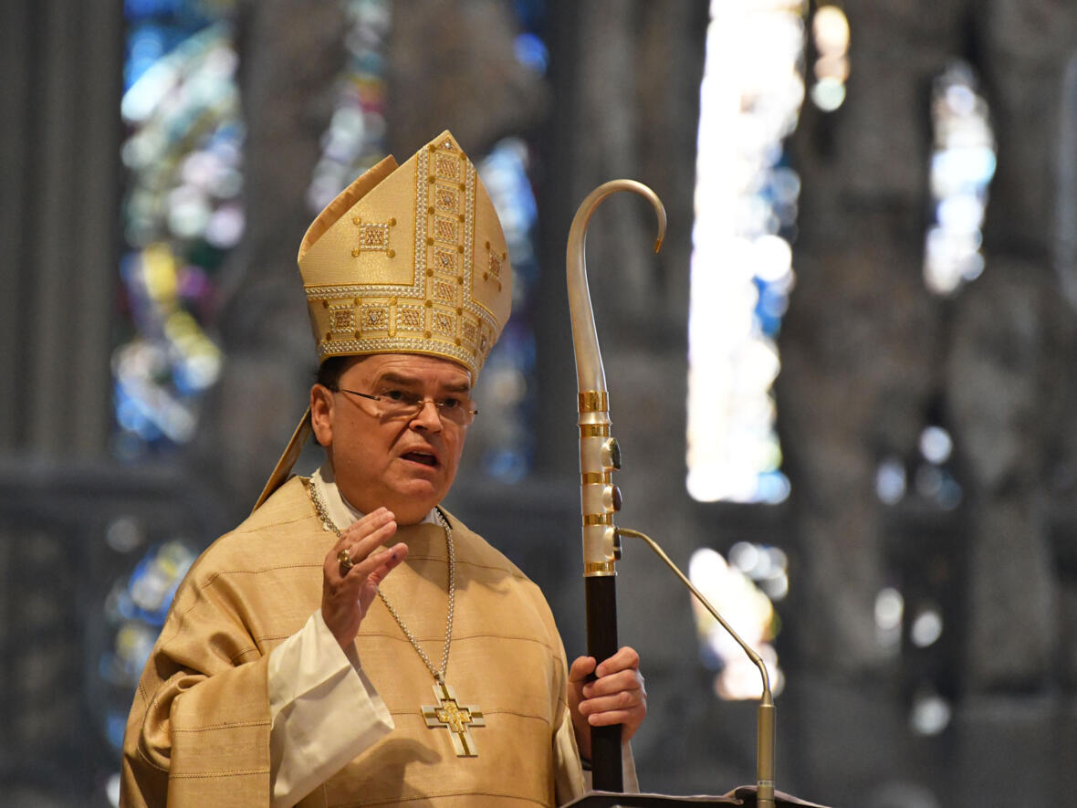 Bischof Bertram predigt in der Chrisammesse DSC_8435 (Foto Julian Schmidt_pba)
