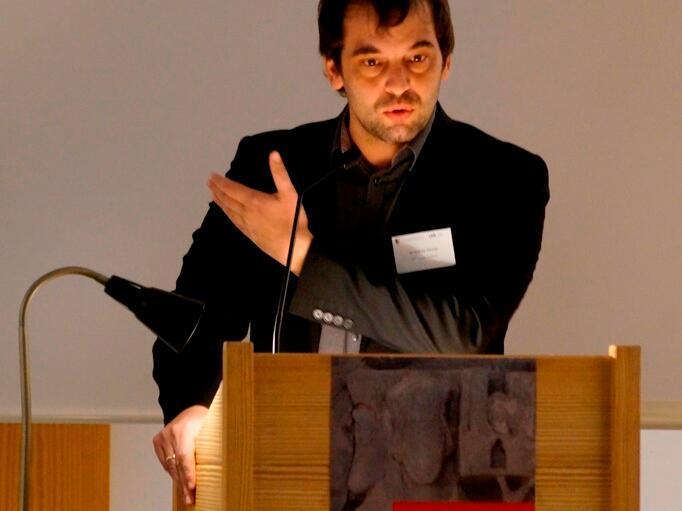 Dr. Schmidt (3)