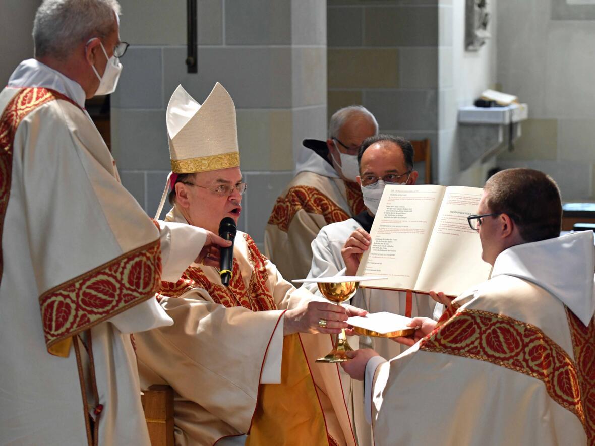 12 Priesterweihe von Michael Bäumler OSB in St. Ottilien (Foto Nicolas Schnall_pba)