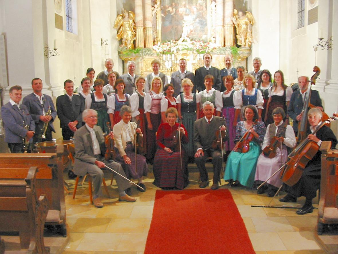 Der Kirchenchor mit Orchester