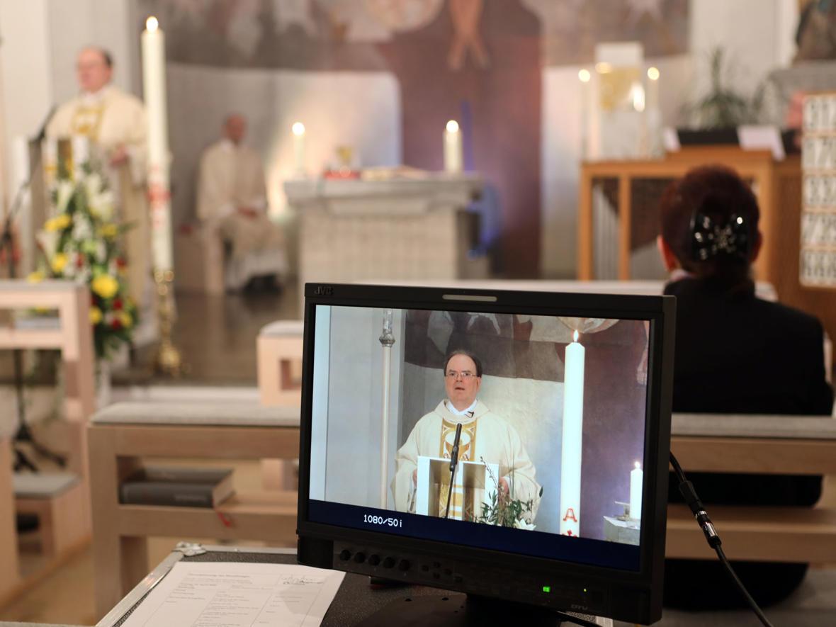 Die Ostergottesdienste wurden live im Fernsehen übertragen (Foto: Annette Zoepf / pba)