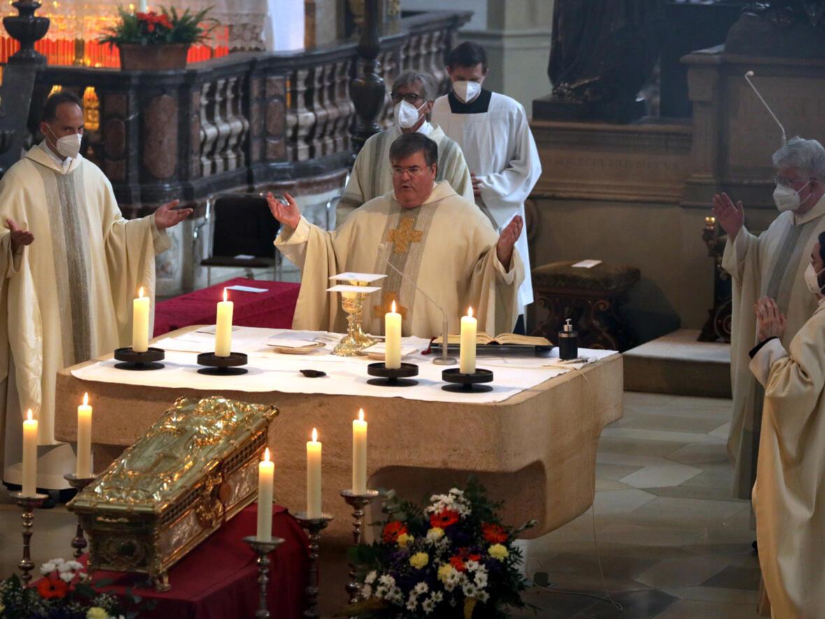 Domkapitular Harald Heinrich beim Gottesdienst der Männerseelsorge (Foto: Annette Zoepf / pba)