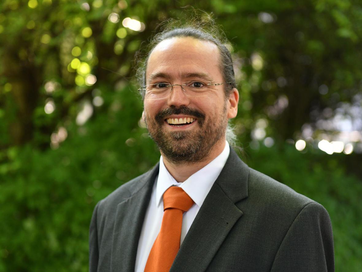Dr. Marc Andre Selig