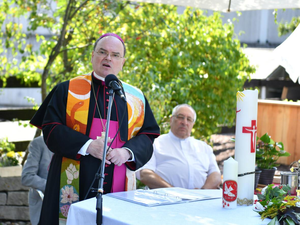 Bischof Bertram beim Einweihungsgottesdienst.