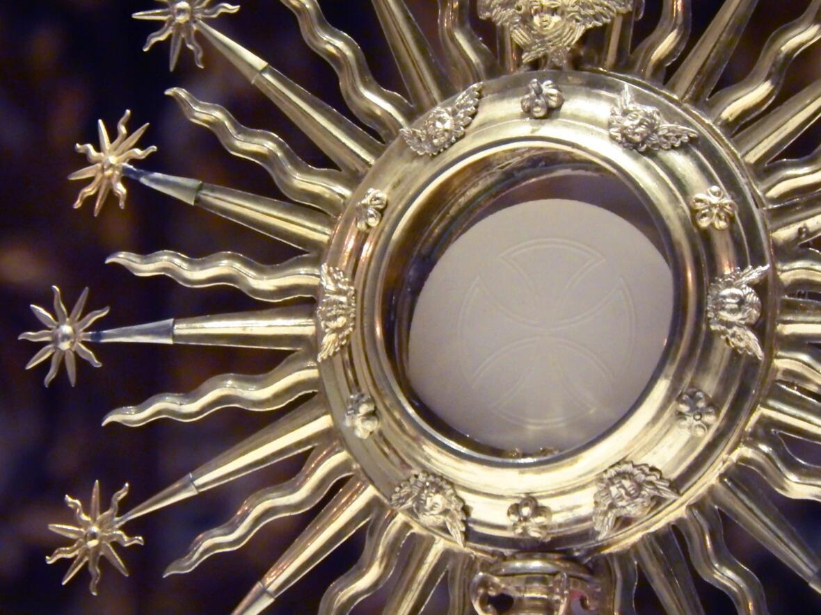 eucharist-3215813_1920