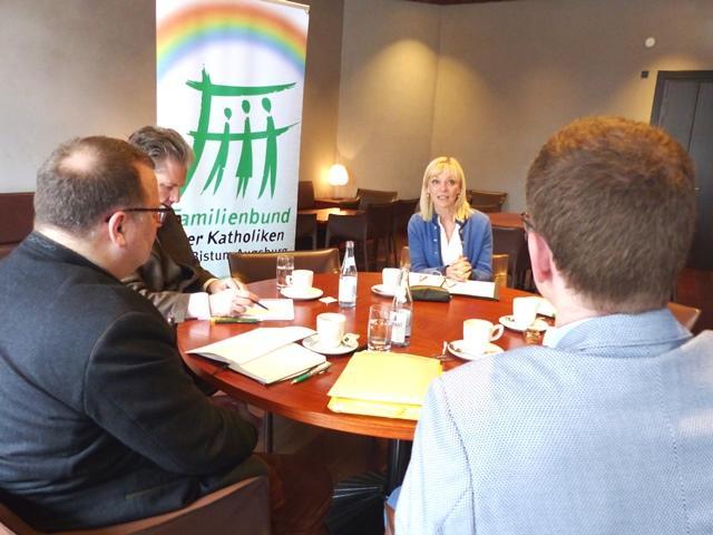 Familienpolitisches Kamingespräch mit Carolina Trautner
