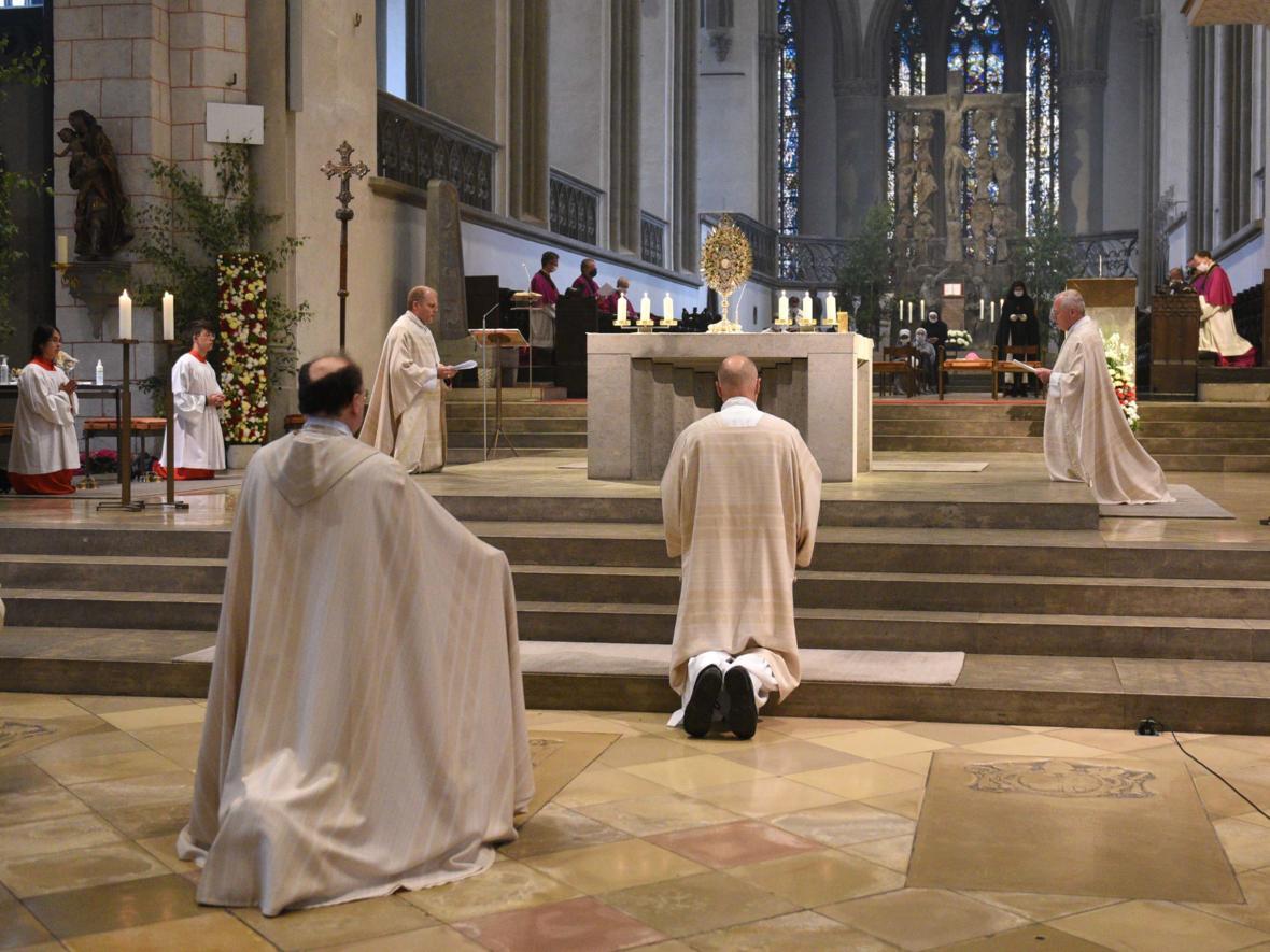 Fronleichnam_Eucharistische Anbetung (Foto_Maria Steber_pba)