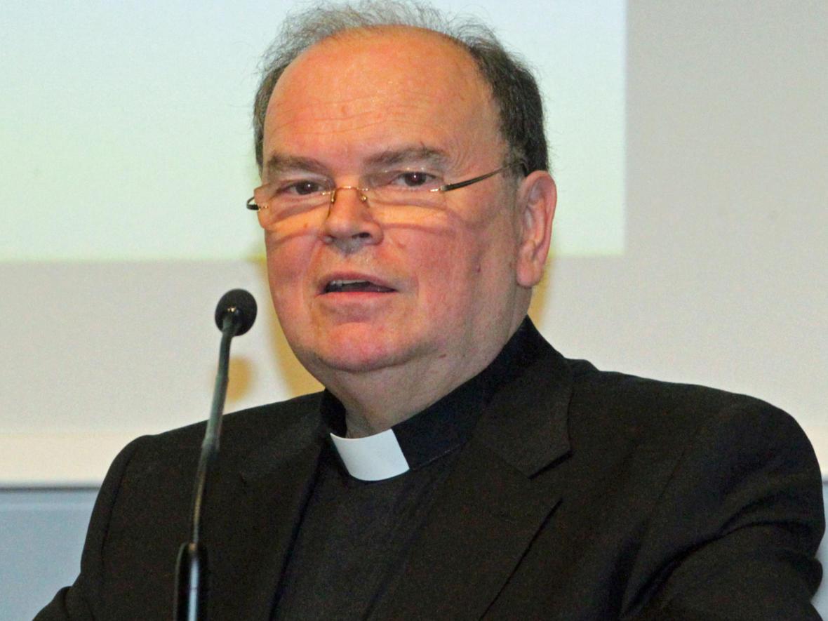 """""""Einer von uns"""": Diözesanadministrator Prälat Dr. Bertram Meier freute sich über den prominenten Festredner aus dem Bistum Augsburg."""