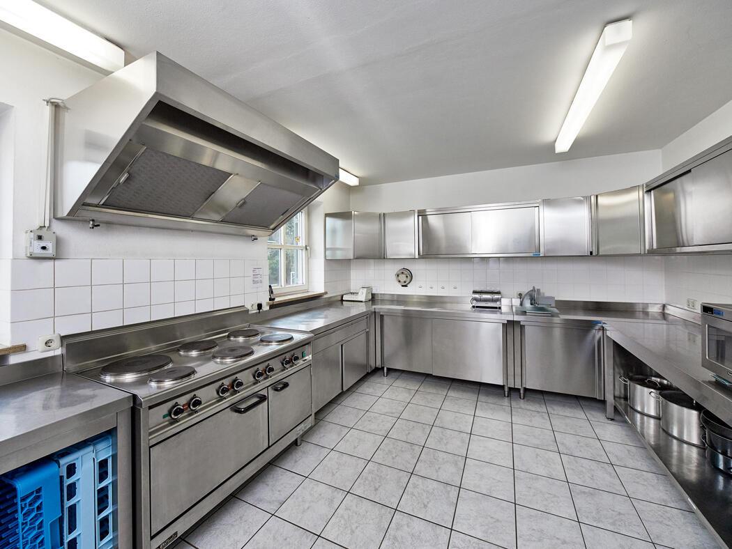 Modern ausgestattete Küche im Tagungshaus Maria Beinberg