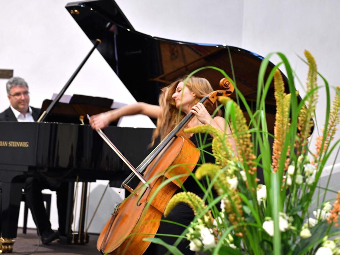 Musik von Peter Bader am Flügel und der Cellistin Teresa Alvarez Garcia (Foto Nicolas Schnall pba) 2