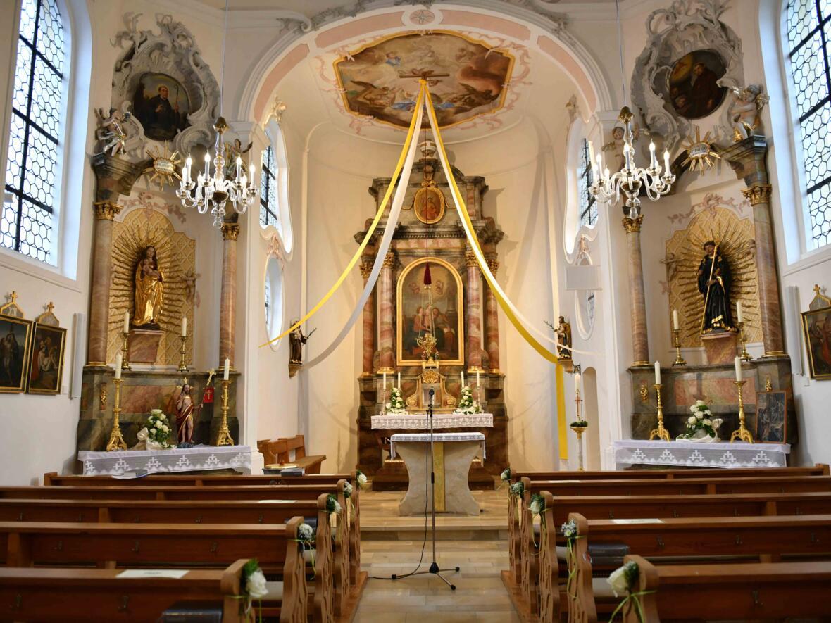 Renovierte Kirche St. Leonhard Pfaffenhofen_Roth (Maria Steber_pba)