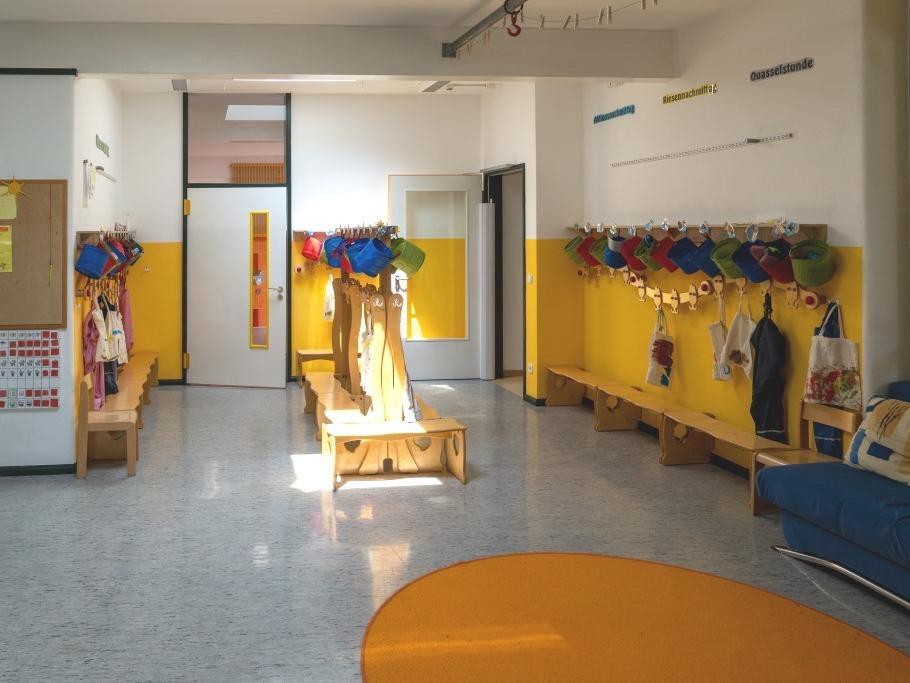 Eingangsbereich Garderobe (2)