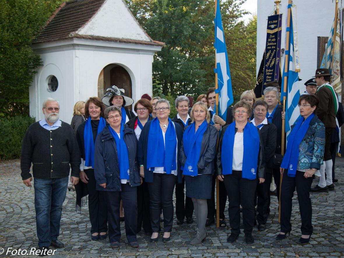 Der Jubiläumsverein  Frauenbund Gablingen und Bürgermeister Karl Hörmann