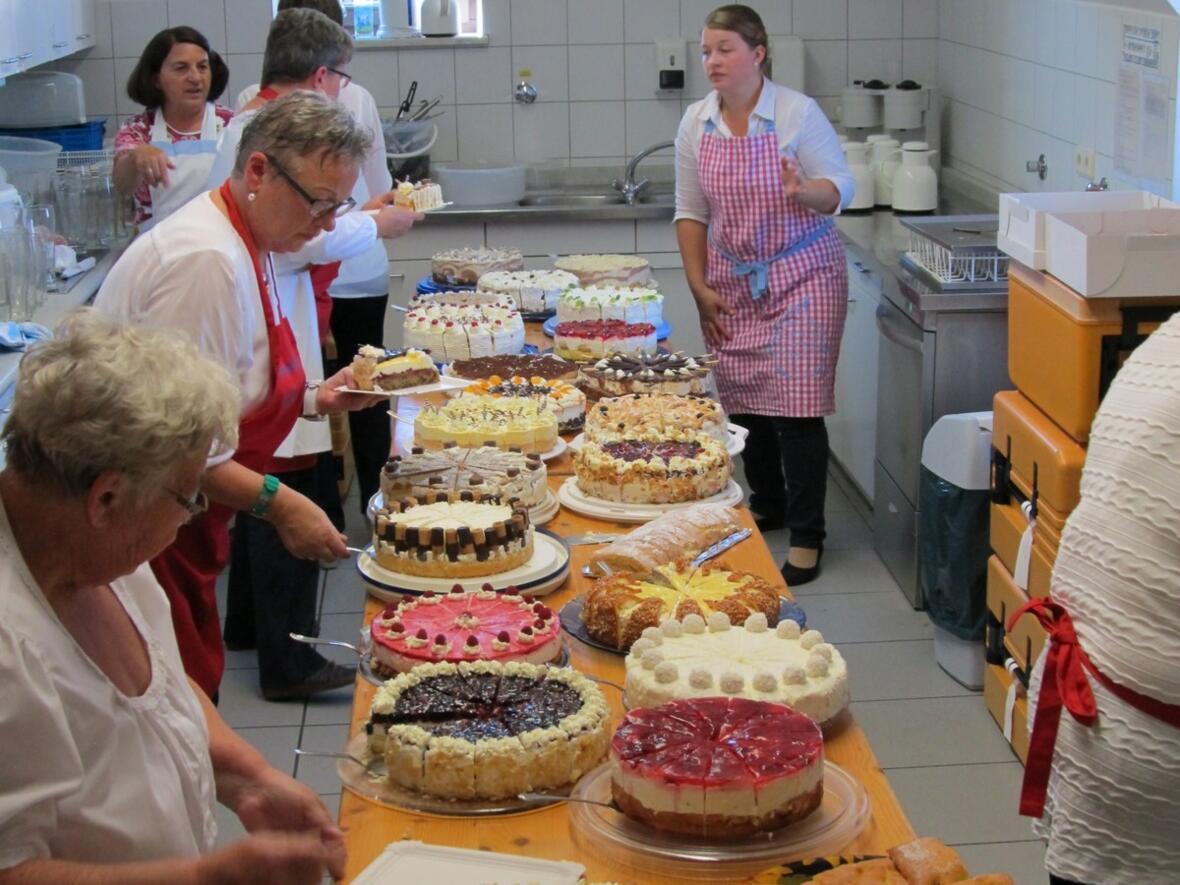 ...und Kuchen und...