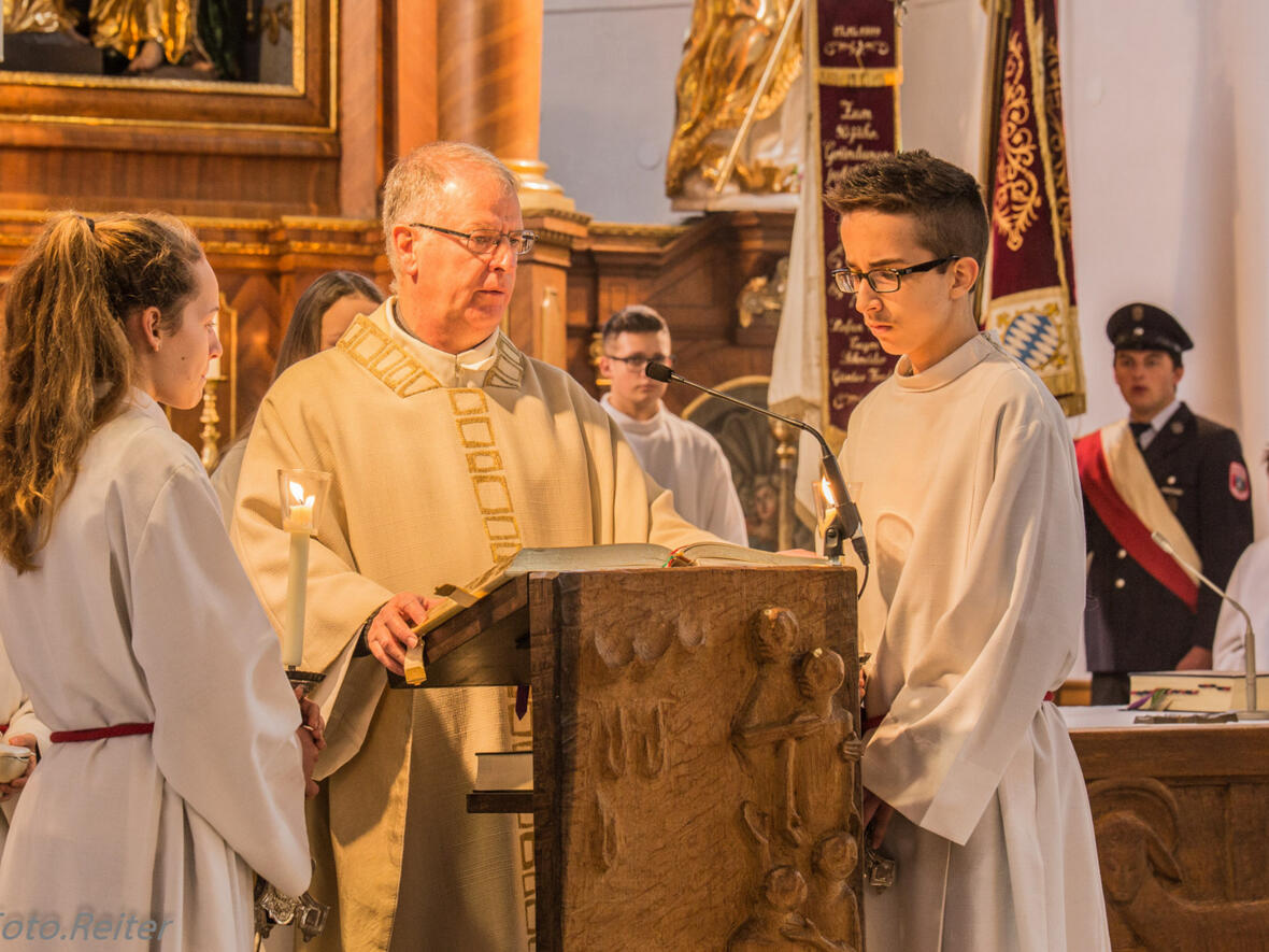 P. Bernhard verkündet das Evangelium
