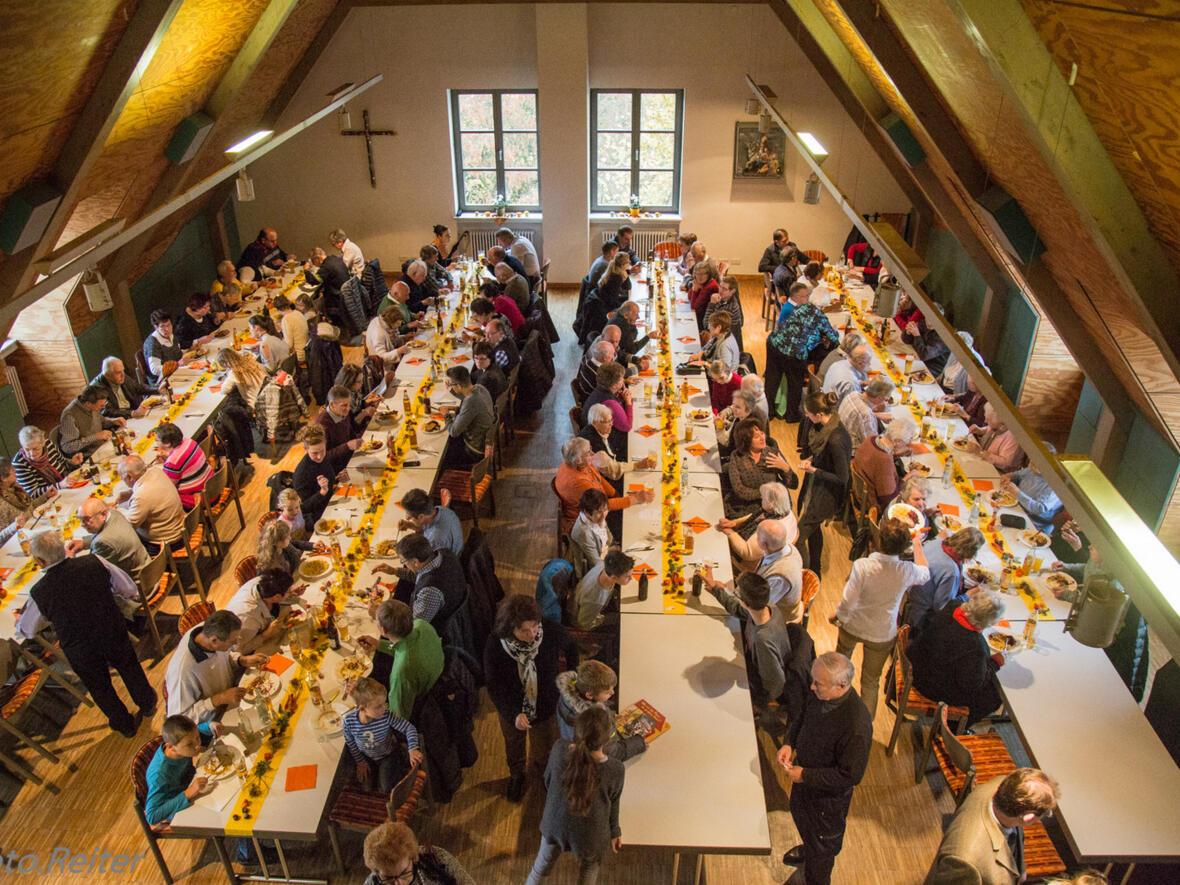 Jubiläumsfeier, Mittagessen im Pfarrsaal