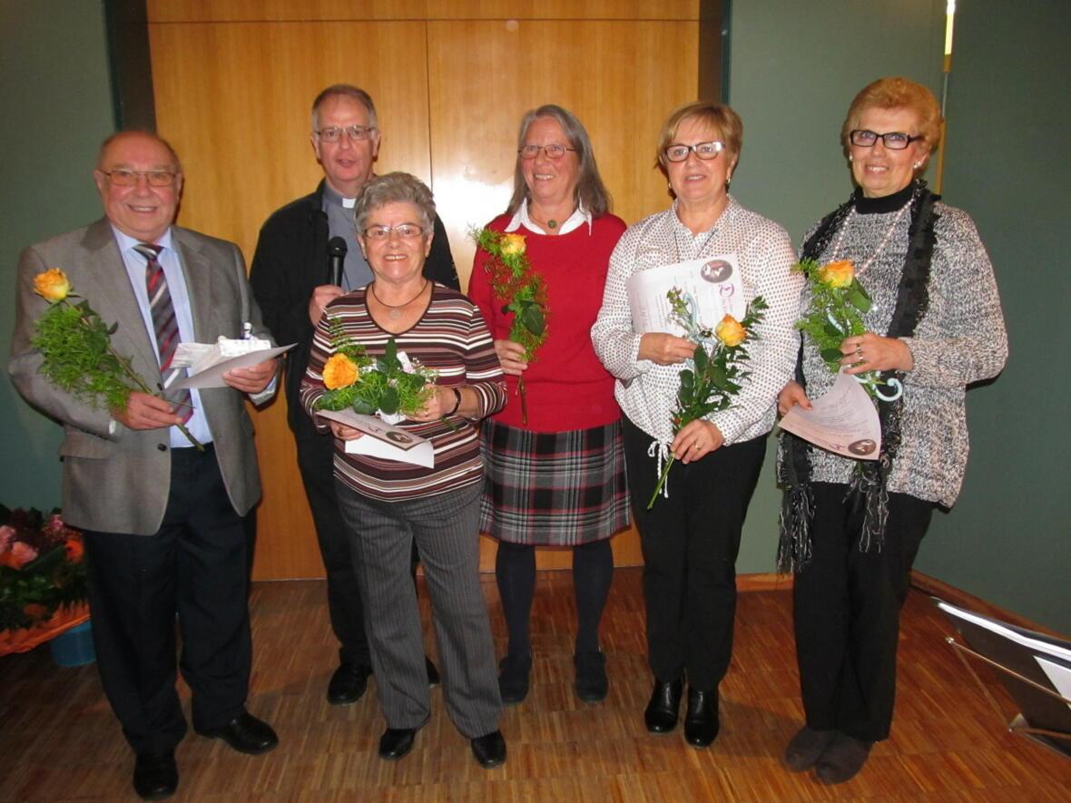 Kirchenchor-Jubilare vlnr: O. Dempf, P.Bernhard, K.Kudlek, E. Seiler, B. Wörle, B.Zöllinger
