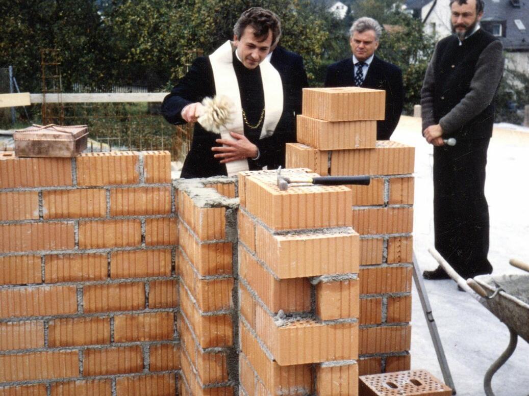 21. Oktober 1990, Grundsteinsegnung durch Pfr. Walter Merkt