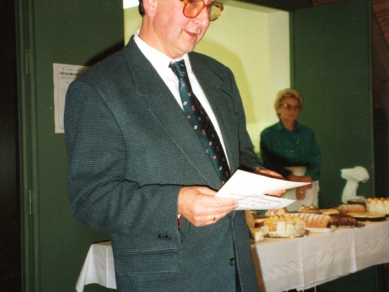 PGR-Vorsitzender Siegfried Hitzler hält die Festrede zur Einweihung
