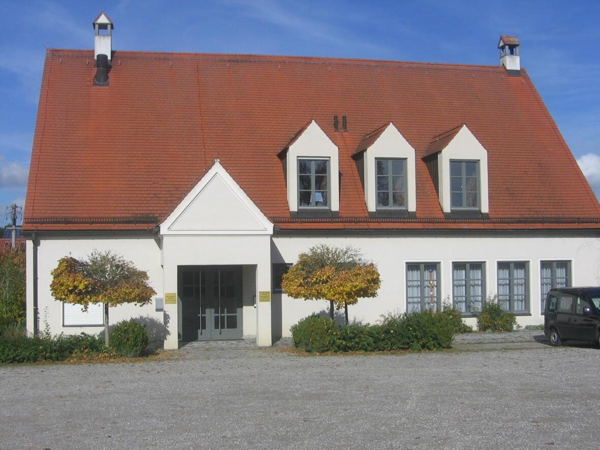 """25 jähr. Jubiläum - """"Das alte Pfarrheim hier am Kirchplatz hat vieles schon erlebt..."""""""
