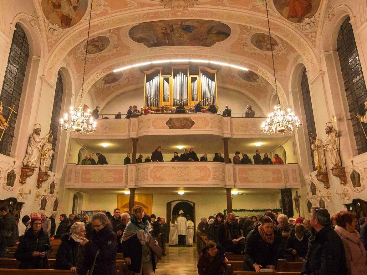 Die Kirchenchöre von Gablingen und Achsheim auf der Orgelempore