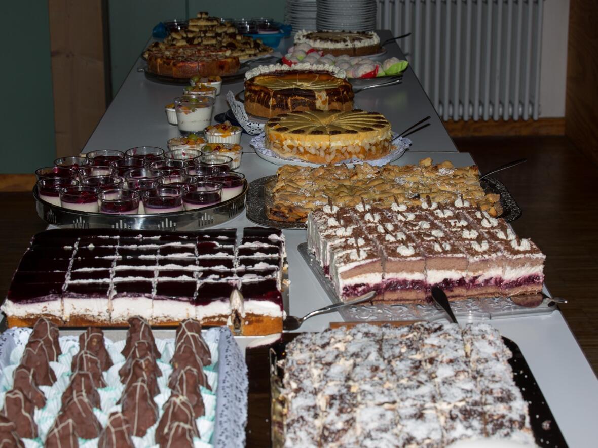 ...vom großen Kuchenbuffet - einfach lecker !!!