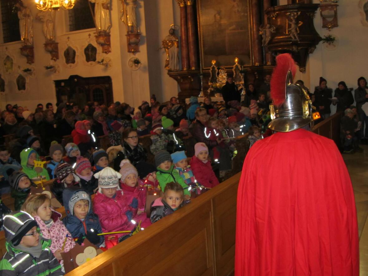 Martinsumzug, diesmal in der Kirche, 11. November 2016